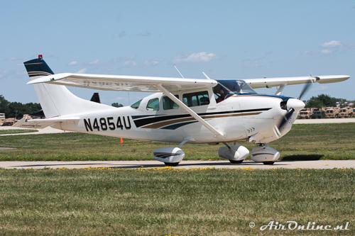 N4854U Cessna 205 (210-5A) (1964)