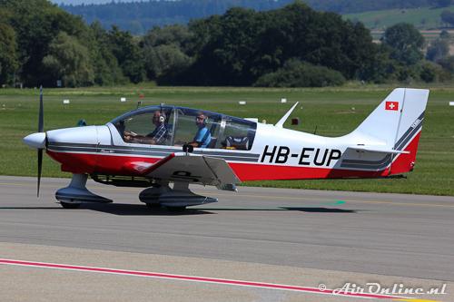 HB-EUP Robin DR.400-180R Remorqueur