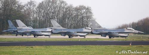 4x F-16AM KLu klaar voor vertrek