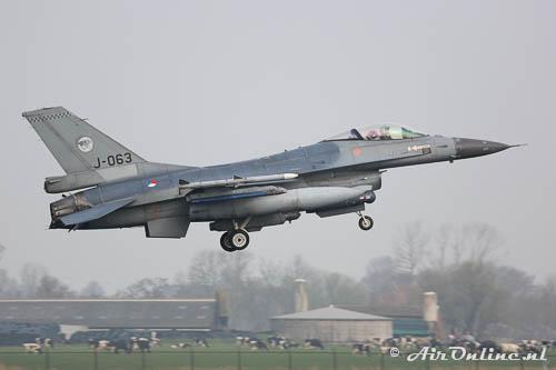 J-063 F-16AM KLu
