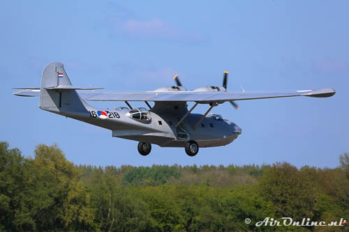 PH-PBY Consolidated PBY-5A Catalina, wat is het mooi hè in de Flevopolder!