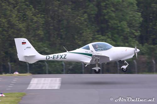 D-EFXZ Aquila A-210 AT01