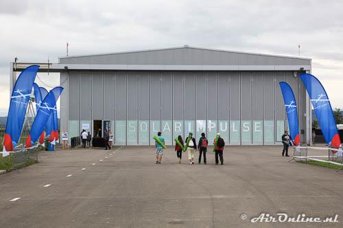 De hangaar van de HB-SIB Solar Impulse 2