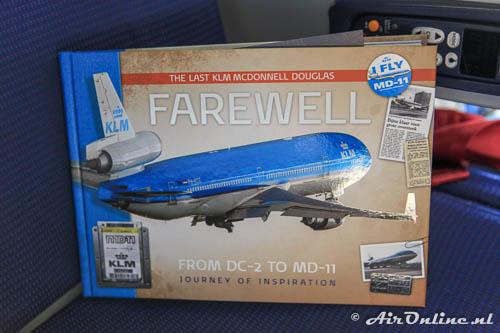 MD-11 Farewell boek op de stoel