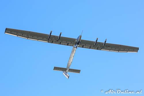 HB-SIB Solar Impulse 2 met een enorme spanwijdte