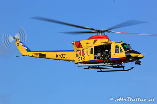 R-03 Agusta-Bell AB-412SP RNLAF hiermee werden voorheen de ambulancevluchten uitgevoerd
