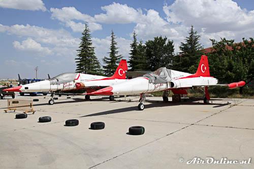 70-3015 en 70-3027 Canadair NF-5A Freedom Fighter Turkish Stars stored op Konya