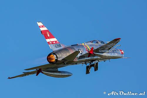 N2011V de enige civiele en vliegende F-100