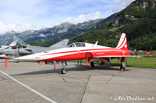 J-3080 Northrop F-5E Tiger II Patrouille de Suisse op de static