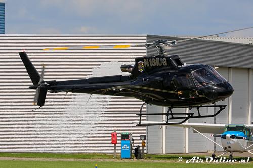 N161UG Aerospatiale AS355N Ecureuil II met een opmerkelijke luchtspiegeling