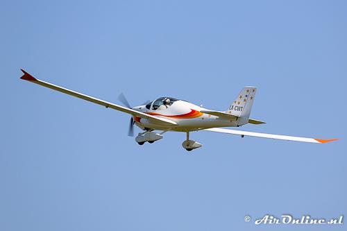 LX-CWT Europa XS-MG met zijn lange vleugels