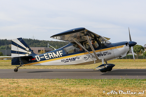 D-ERMF American Champion Bellanca 8KCAB Super-Decathlon