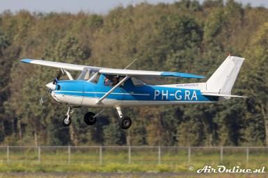 PH-GRA Reims/Cessna F150L maakt een long-field-landing