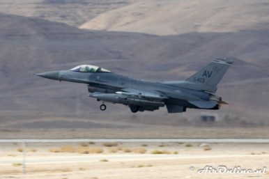 88-0413 / AV F-16C Block 40 510th FS United States Air Force