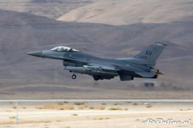 88-0413 / AV F-16C Block 40 510th FS United States Air Force