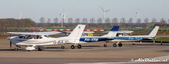 G-BAJE, PH-VRW en PH-TGA van Dwarf Powerd Gliders