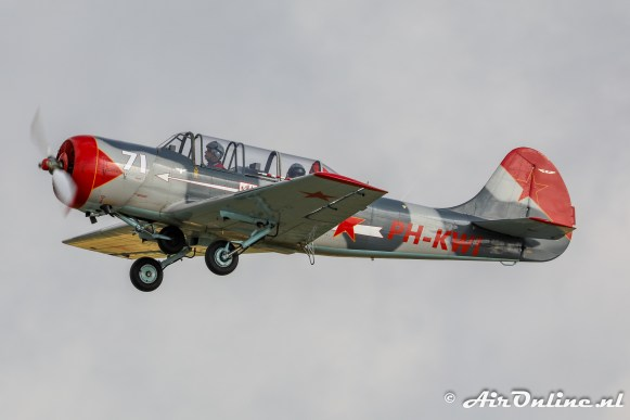 PH-KWI Yakovlev Yak-52