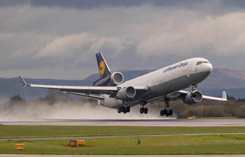 Lufthansa_Cargo_MD-11_D-ALCN