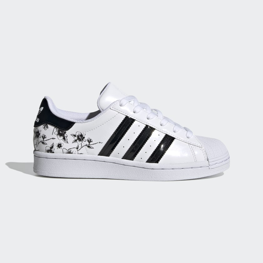 Superstar_Shoes_White_FW0779_01_standard