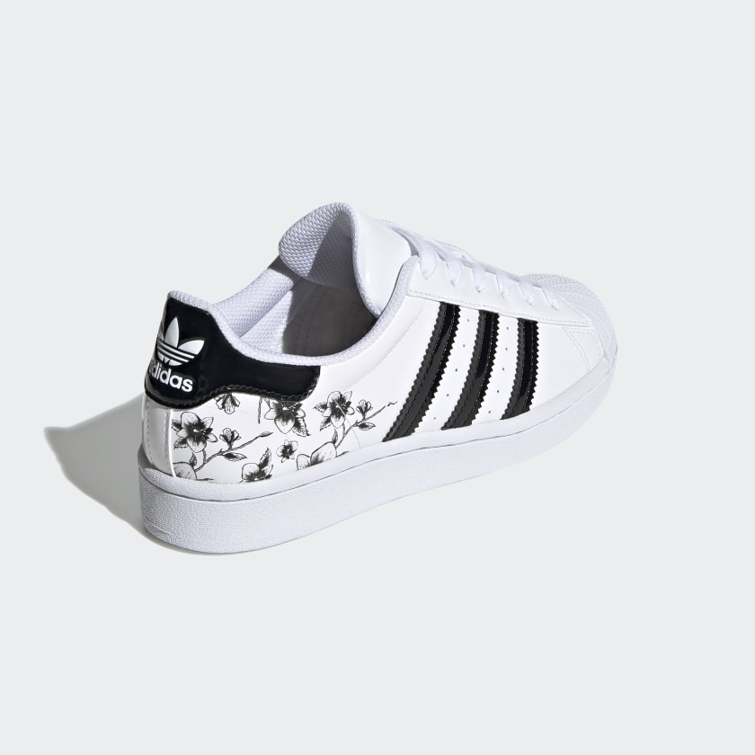 Superstar_Shoes_White_FW0779_05_standard
