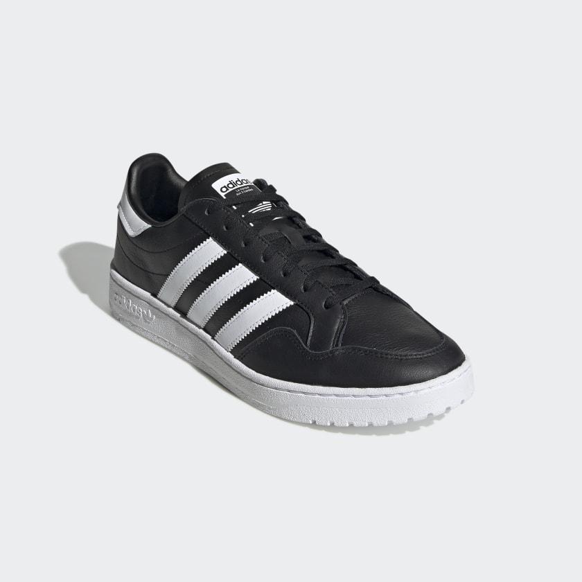Team_Court_Shoes_Black_EF6048_04_standard