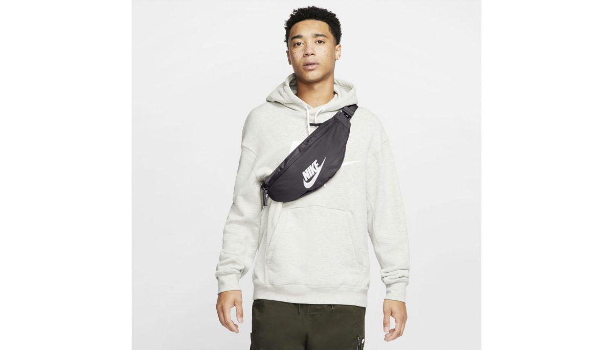 sac-banane-sportswear-heritage-black (3)