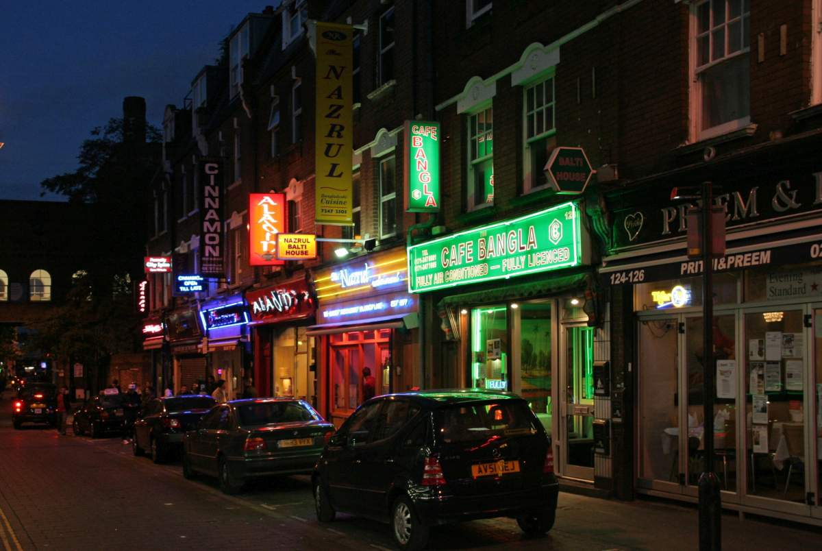 Brick Lane - Photo par ahisgett sous CC BY 2.0