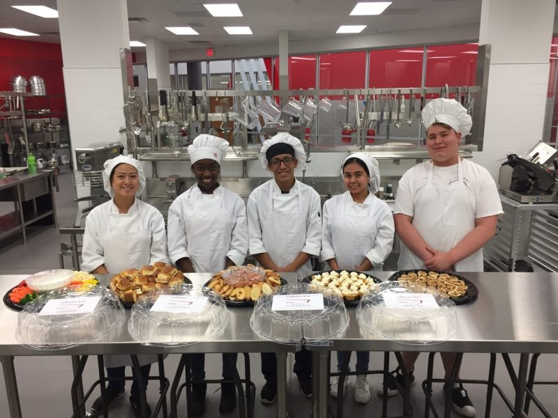 Culinary Arts Students Begin Holiday Catering   Arlington ISD Dan     culinary arts students pose with catering samples