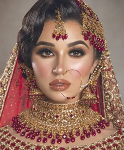 aisha malika fran0104 1 close up