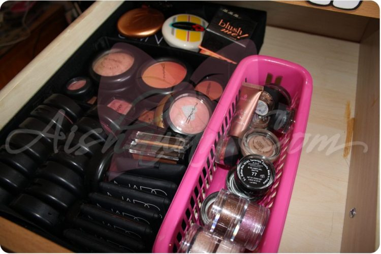 Maquillaje:Mi mueble de maquillaje