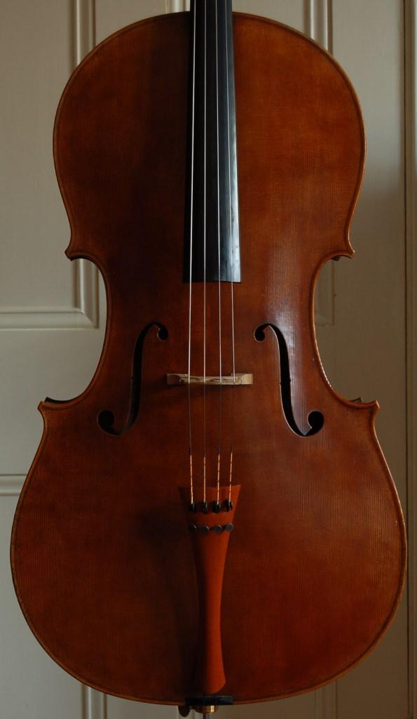 Robin Aitchison Stradivari cello copy - stradivarius model