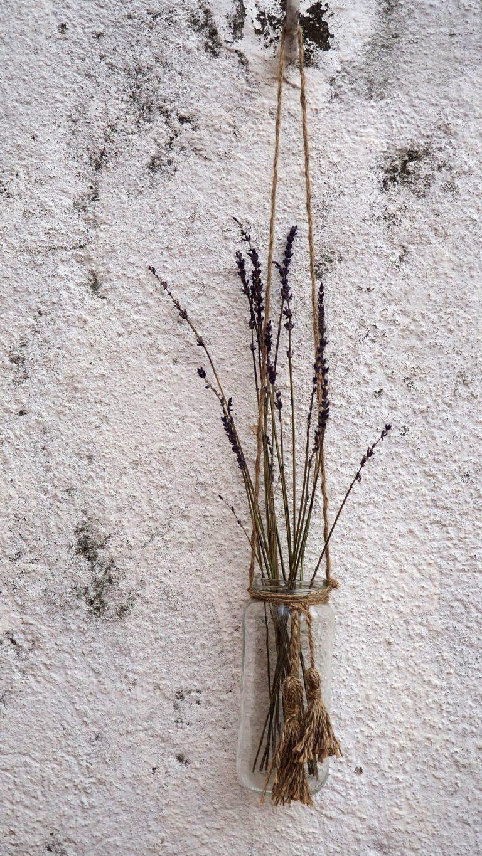 Macetero Colgante con borlas de Yute y Lavanda | Photo by Aizkua