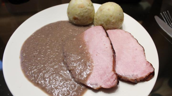 Kassler in Maroni-Glühwein-Sauce aus dem Dutch Oven