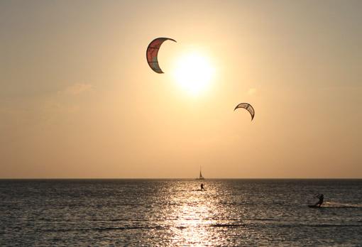 2 Kites por do sol
