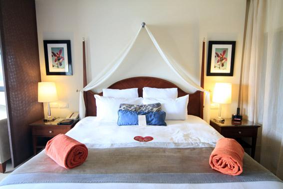 01 cama suite de frente