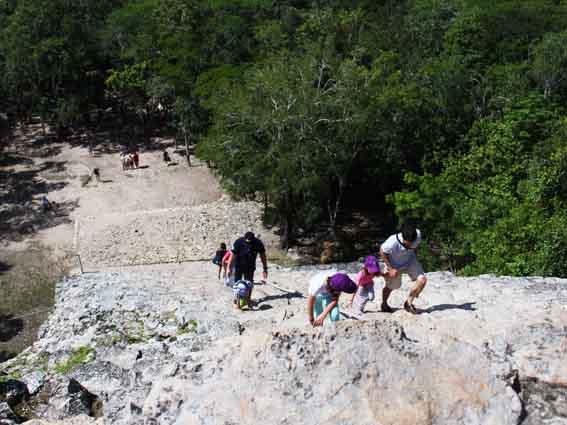 escalando-piramide-coba (1)