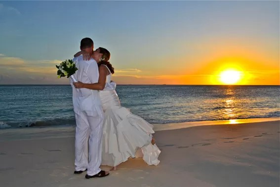 Casal em Eagle Beach - Credito ATA