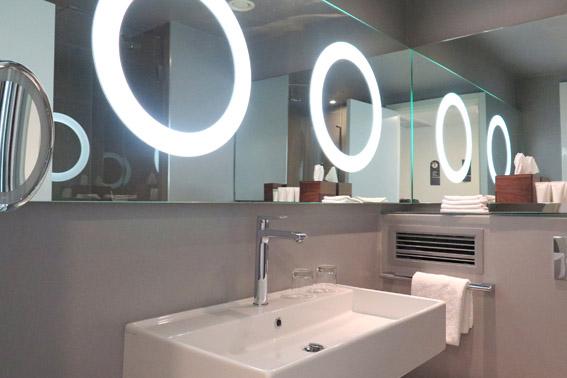 Banheiro Suite Wyndham Grand Frankfurt