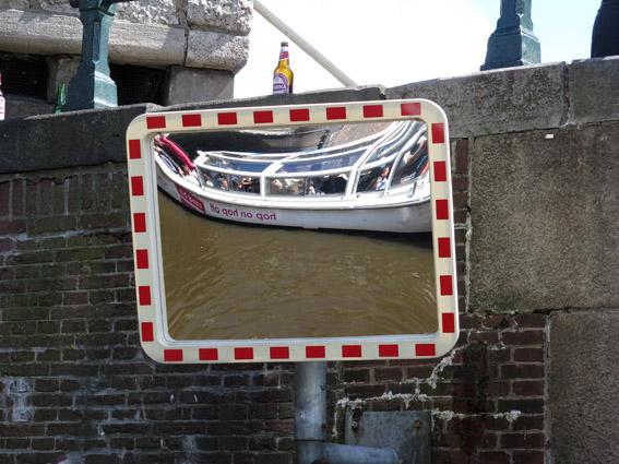 passeio-barco-amsterdam-no-espelho