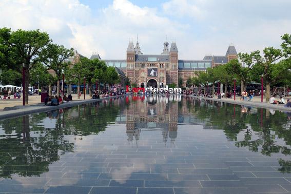 Amsterdam com criança Rijksmuseum