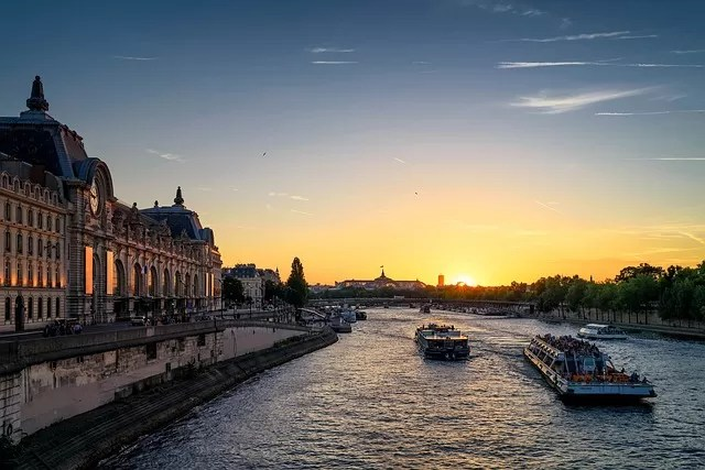 Passeio de barco Paris