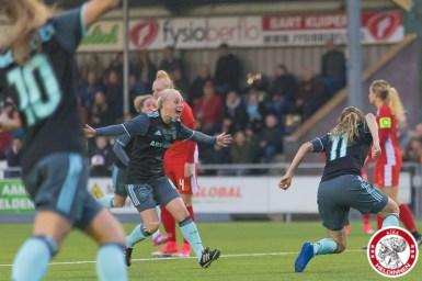 05-05-2017: Voetbal: Vrouwen FC Twente v Ajax: Enschede Inessa Kaagman of Ajax & Marjolijn van den Bighelaar of Ajax vieren 1-1 van Marjolijn van den Bighelaar of Ajax