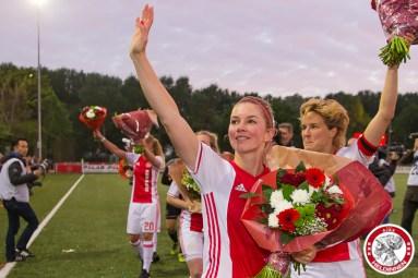 19-05-2017: Voetbal: Vrouwen Ajax v ADO den Haag: Amsterdam Ajaxvrouwen kampioen vrouwen eredivisie 2016-2017 Anouk Hoogendijk of Ajax