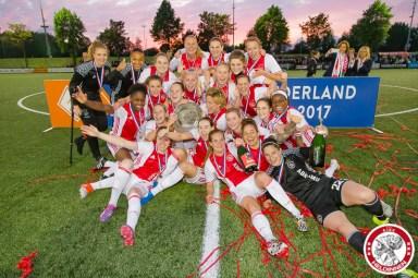 2017-05-19 Ajax vrouwen - Ado den Haag KAMPIOEN- 00027