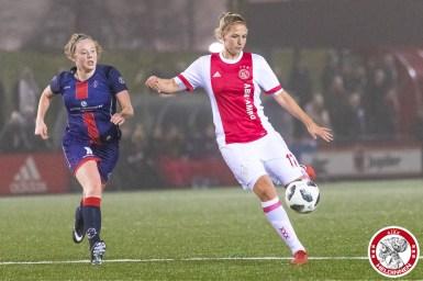 26-01-2018: Voetbal: Vrouwen Ajax v vv Alkmaar: Amsterdam eredivisie vrouwen Sportpark de toekomst seizoen 2017-2018 L-R Silvie van der Plas of VV Alkmaar, Kelly Zeeman of Ajax
