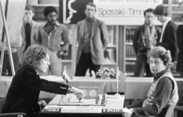 La imagen tiene un atributo ALT vacío; su nombre de archivo es 12-Timman-aprendiendo-de-Spassky-1977-Amsterdan-match-3.jpg