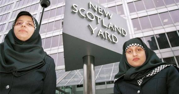 le hijab dans l'uniforme de la police ecossaise