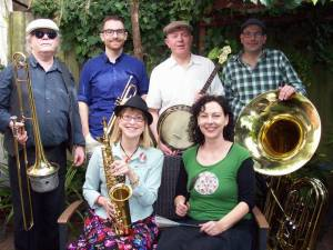 The Peppercorn Jazz Band are a traditional New Orleans jazz band and include AJM members Maureen Beggs (alto sax), Mark Zerafa (tuba), Daniel Charbon (banjo), and Tanja Bahro (drums).