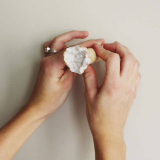DIY Geode and Wood Wall Hooks @ajoyfulriot