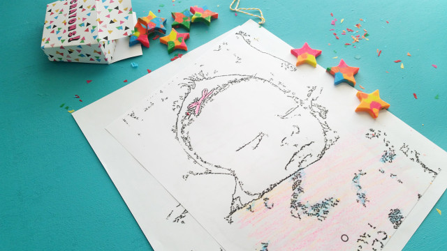 Crayons, photos in to coloring pages and cute crayon boxes make a great, practically free gift! @ajoyfulriot